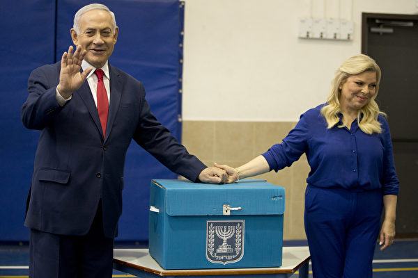 如果現年69歲的內塔尼亞胡連續第五次獲勝,他將成為以色列服役時間最長的總理。(Ariel Schalit/POOL/AFP)