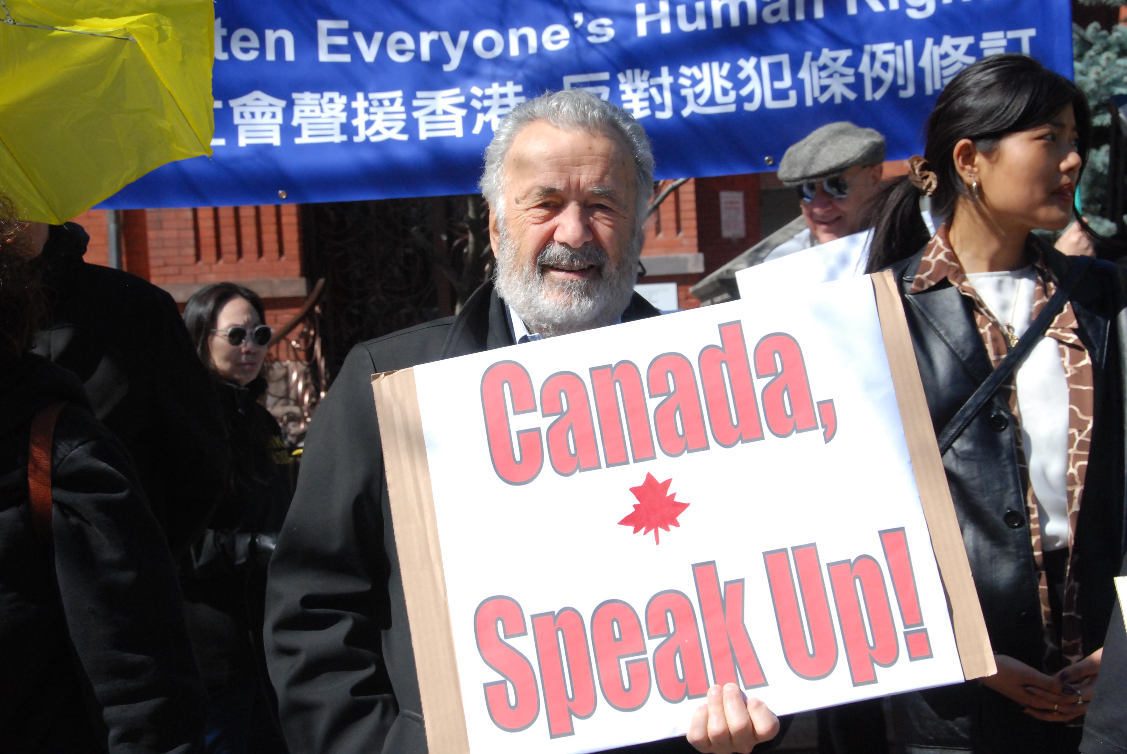 加拿大聯邦前參議員Consiglio Di Nino。(伊鈴/大紀元)