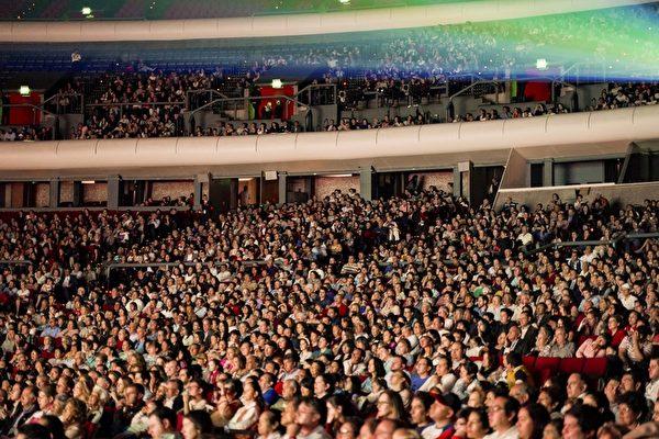 2019年4月6日下午,美國神韻巡迴藝術團在墨西哥城國家禮堂(Auditorio Nacional)進行了今年在當地的第三場演出,全場爆滿。(文琍/大紀元)