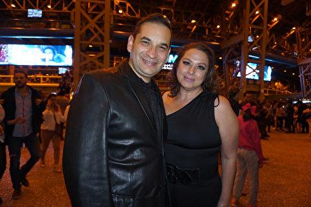 IUSA公司的採購部門主管Benjamin Perez Lizarraga和夫人Irma Malilia Malentes觀賞了神韻巡迴藝術團於4月6日晚在墨西哥城國家禮堂的第四場演出後表示,演出燦爛奪目,展示的是一種真正的藝術。(林南宇/大紀元)