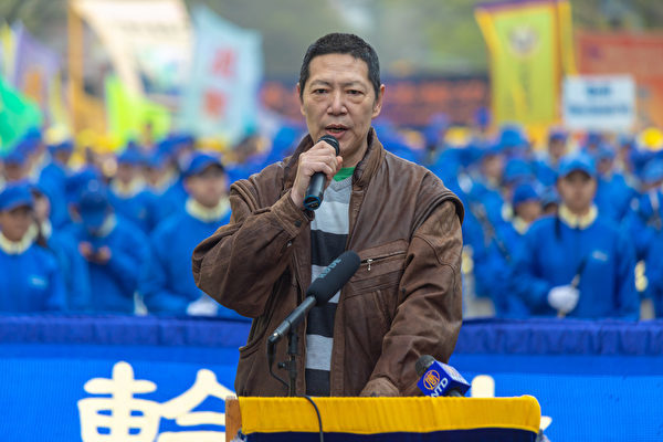 李明表示,中國民眾風起雲湧抗爭,維權律師也進行著多種形式的抗爭。(Mark Zou/大紀元)