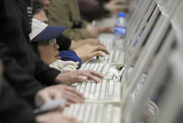 敏感日逼近 50位名人微博遭封杀 禁歌禁言