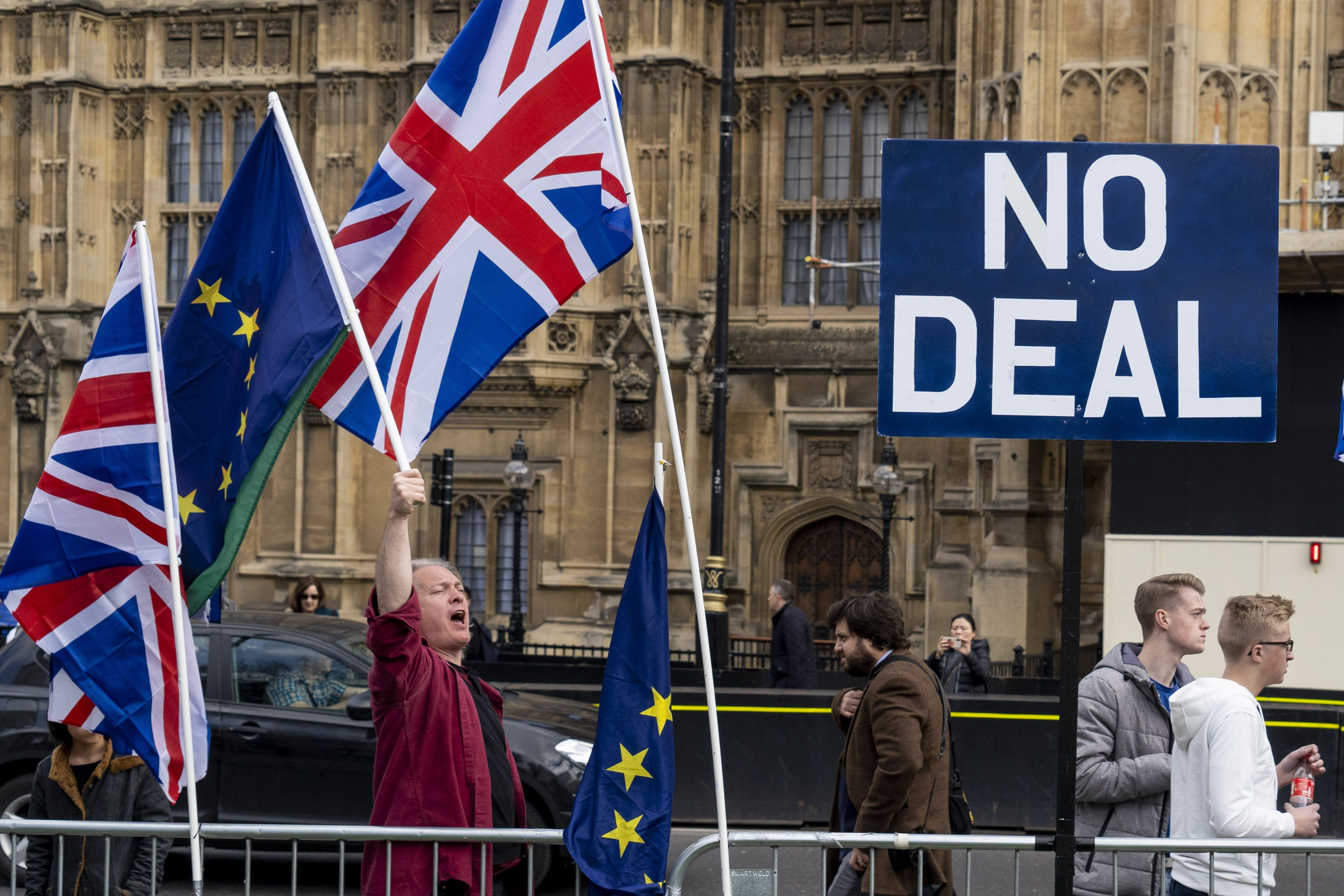 脫歐再延期三個月 英國議會對提前大選表決