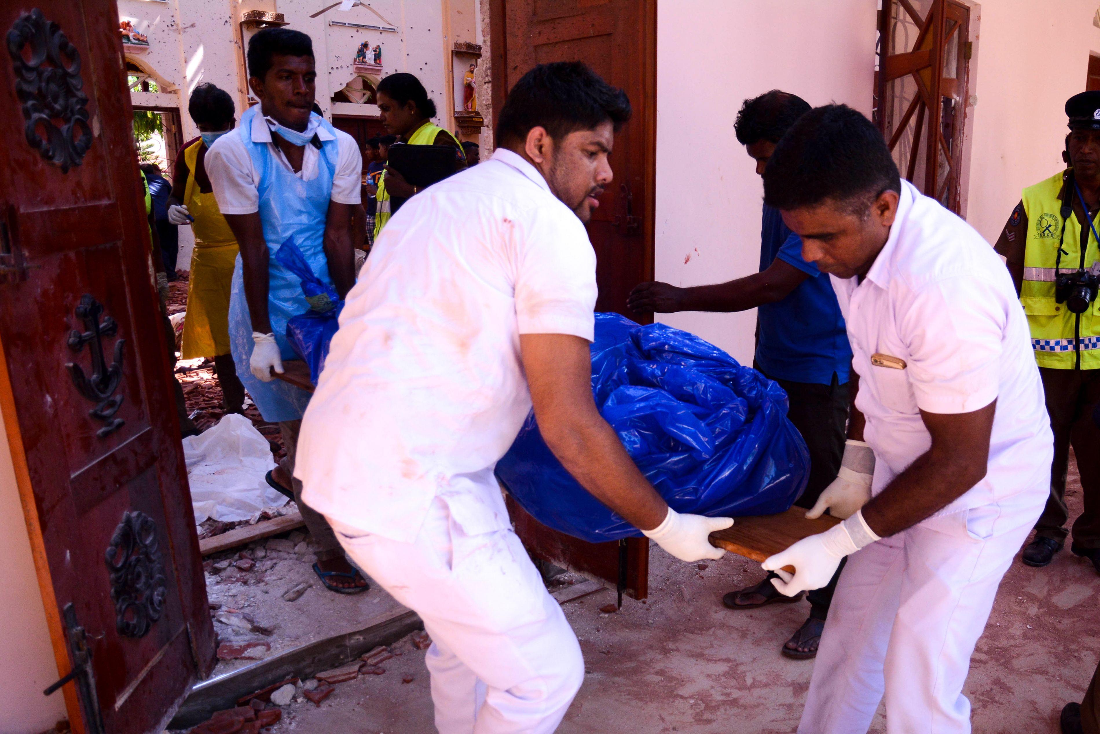 斯里蘭卡首都可倫坡聖安東尼教堂21日早上發生爆炸事件,目前傷亡人數不斷上升。(Aashik Nazardeen推特)