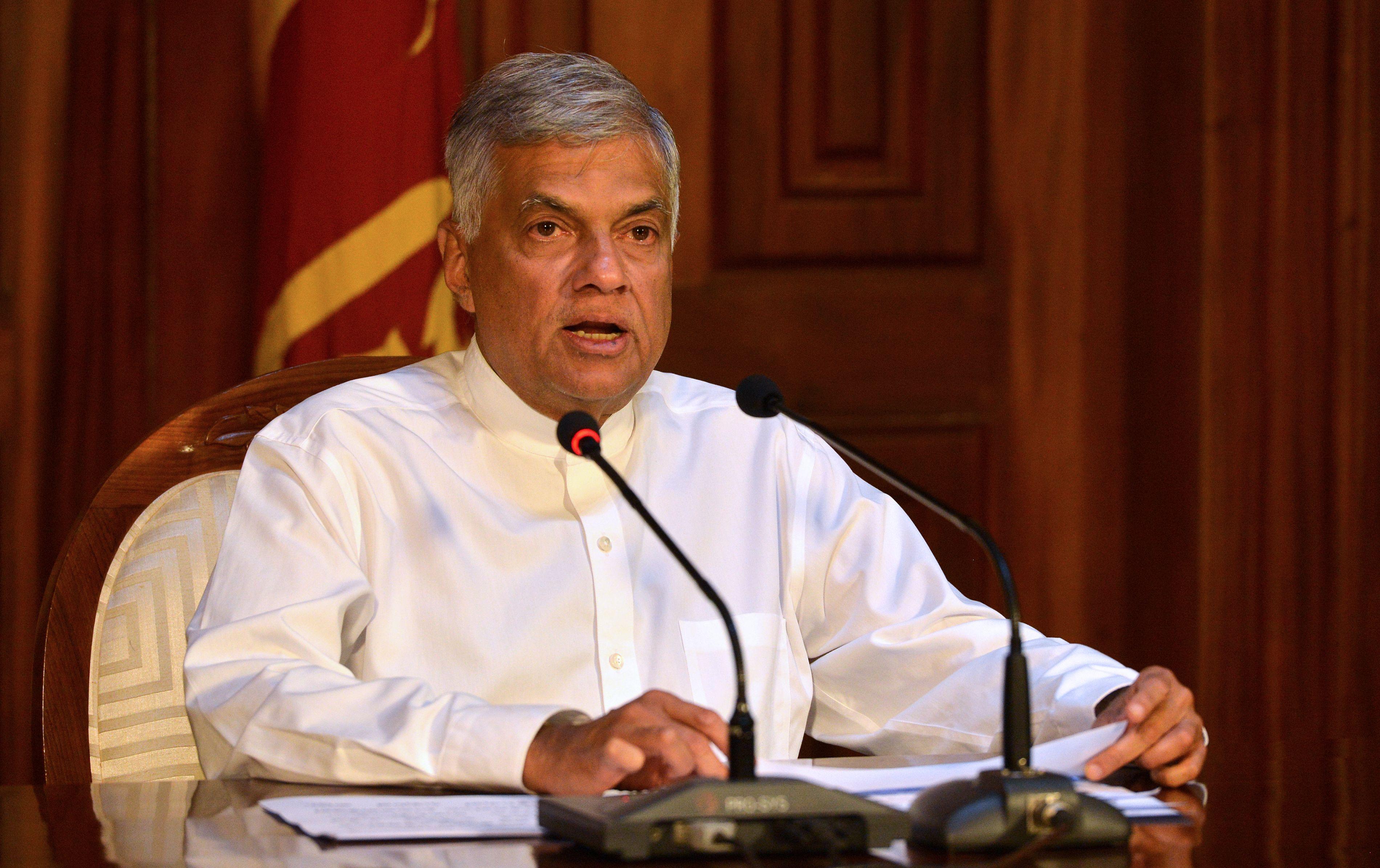 總理拉尼爾·維克勒馬辛哈(Ranil Wickremesinghe)擔心暴力事件可能引發該國社會及經濟的不穩定。(ISHARA S. KODIKARA/AFP/Getty Images)
