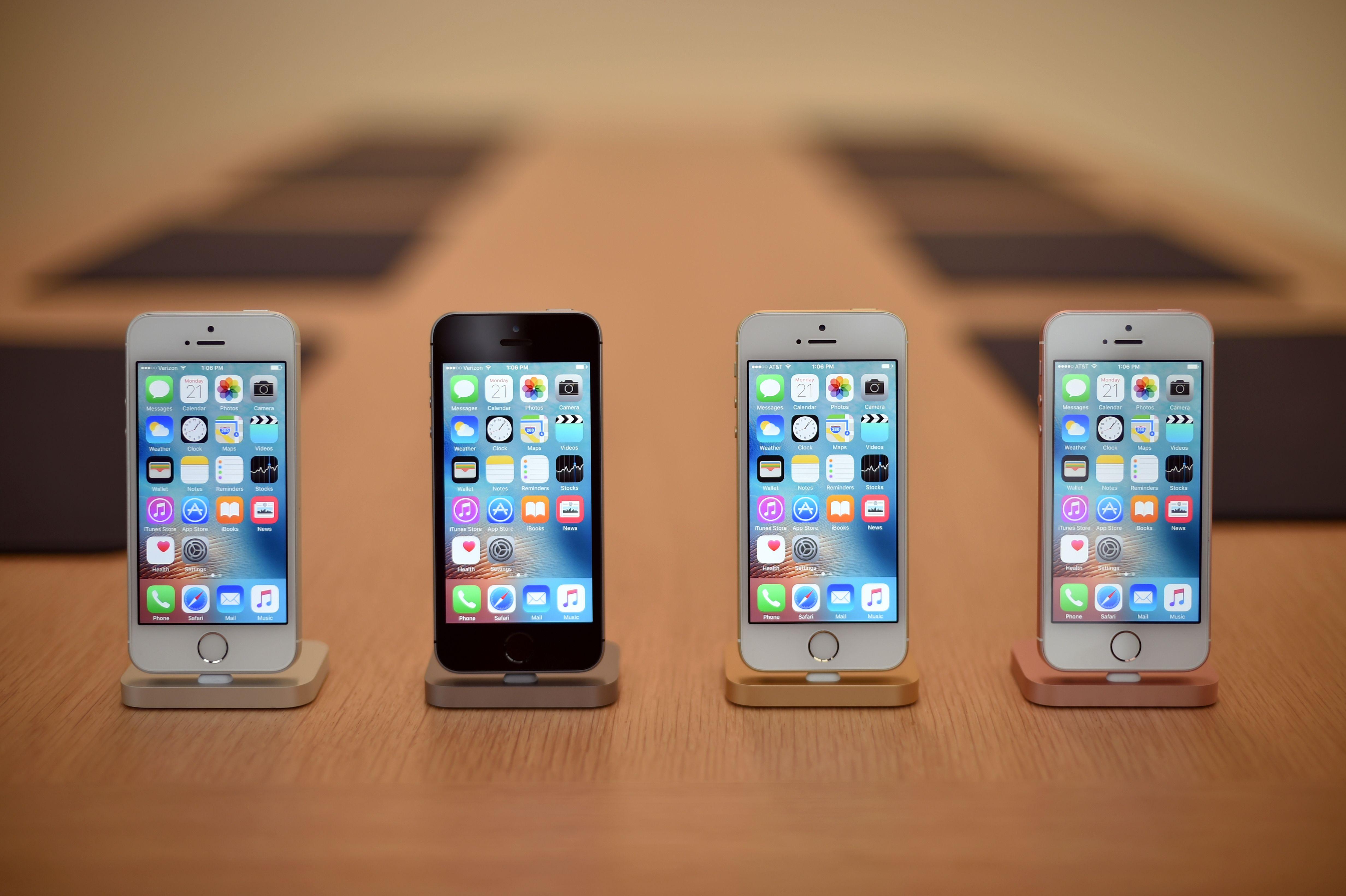 人們對蘋果下一代iPhone充滿了興奮和期待,包括對新版iPhone的定價也十分關注。iPhone資料圖。(JOSH EDELSON/AFP/Getty Images)