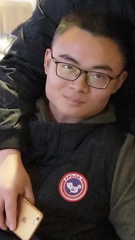 2018年12月22日晚上在武昌區臨江大道平湖門下的士後失蹤至今的潘英豪。(受訪者提供)