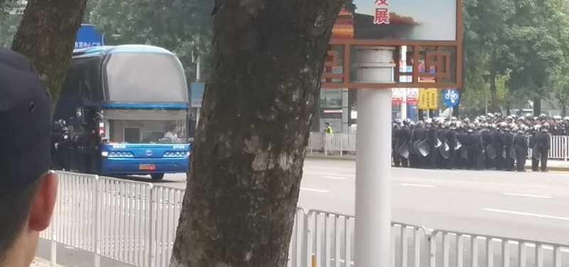 大陸團貸網出借人東莞行動 遭數千警鎮壓