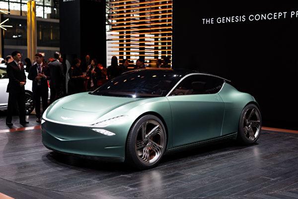 2019纽约国际车展,现代旗下豪华品牌捷恩斯(Genesis)推出了小型豪华全电动概念车(Mint Concept)。(戴兵/大纪元)