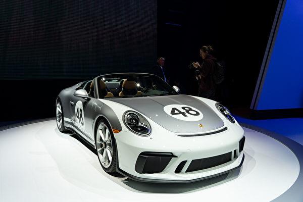2019纽约国际车展,保时捷(Porsche)推出全新敞篷车型911 Speedster。(戴兵/大纪元)