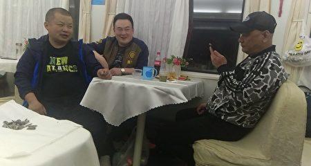 押送顧國平和孫桂發回上海的截訪人員。(受訪者提供)