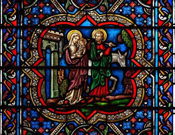 《逃亡埃及》,巴黎圣母院玻璃花窗。(公有领域)