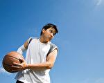 青春期是人的第二个生长加速期,如何帮助孩子快速长高?(Shutterstock)