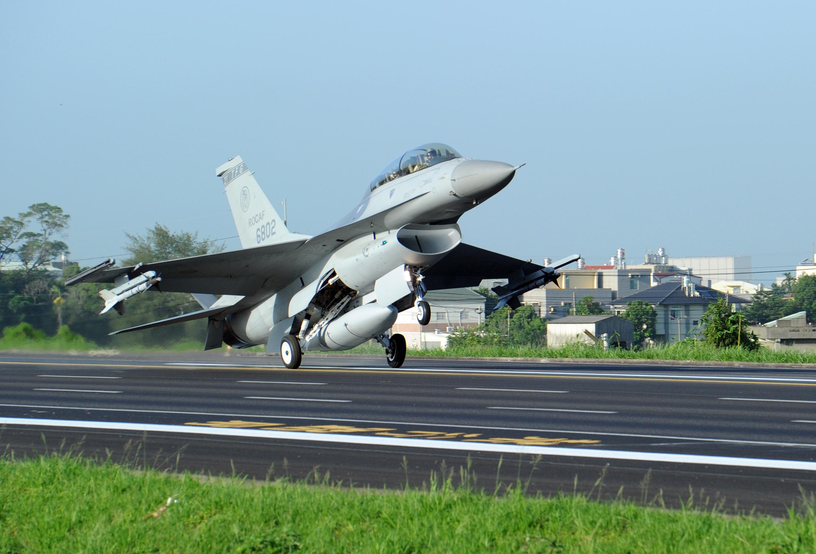 美批准對台軍售 提供F-16培訓及後勤