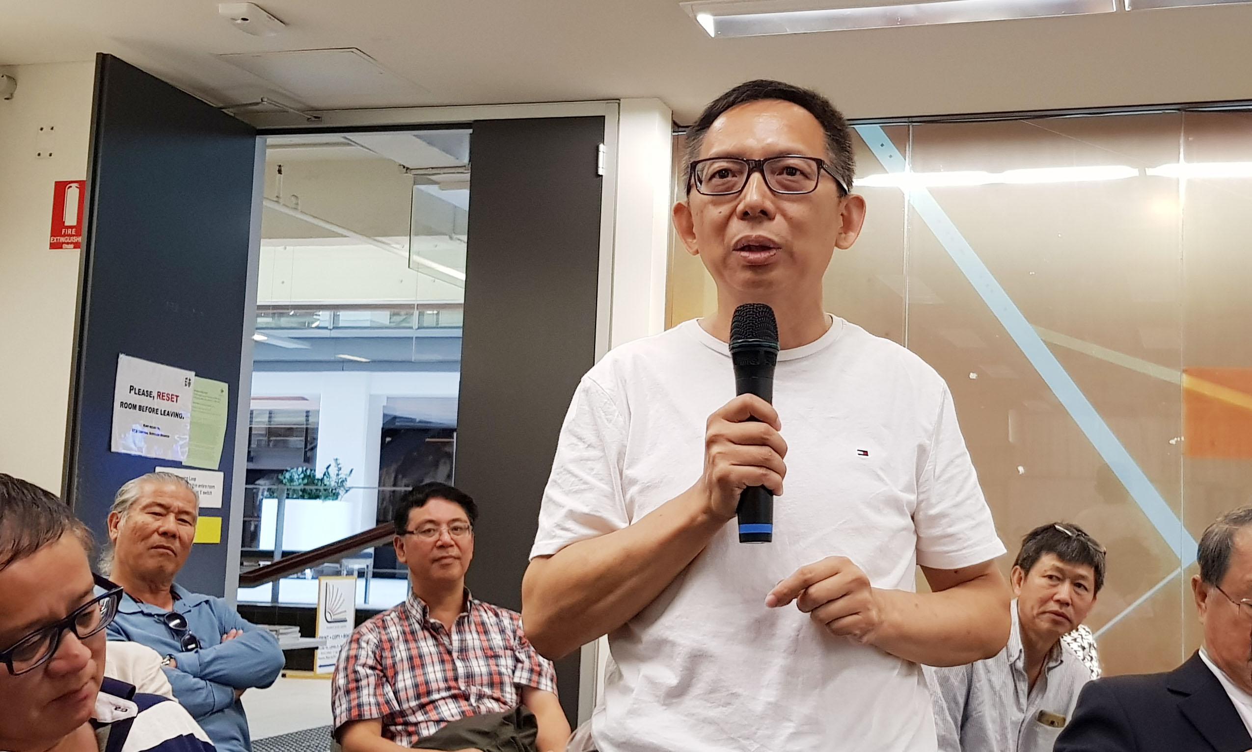 曾經是澳洲專業人士俱樂部的主席JP Cheng,在研討會上揭露親共團體當時想吞併他所在的社團。(駱亞/大紀元)