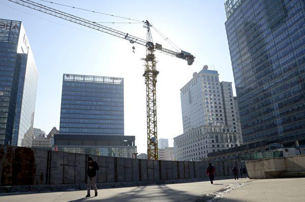 研究指出,全中國大陸大約只有22個城市的房子不夠,因為有人口淨流入,例如北京、上海、廣州、深圳、杭州,或是沿海經濟較發達城市。圖為示意圖。(AFP)