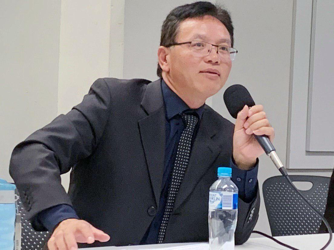 4月14日前中共外交官陳用林在悉尼科技大學舉辦研討會上發言。(駱亞/大紀元)