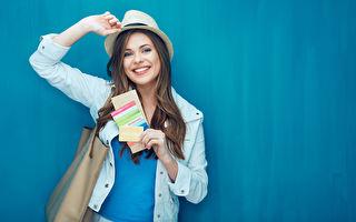 美国飞往欧洲的航班已达两年来最低价格——买便宜机票,晚春季节最好。(ADS Portrait/Shutterstock)
