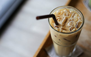 含有牛奶的拿铁能补钙,是这样吗?(Shutterstock)
