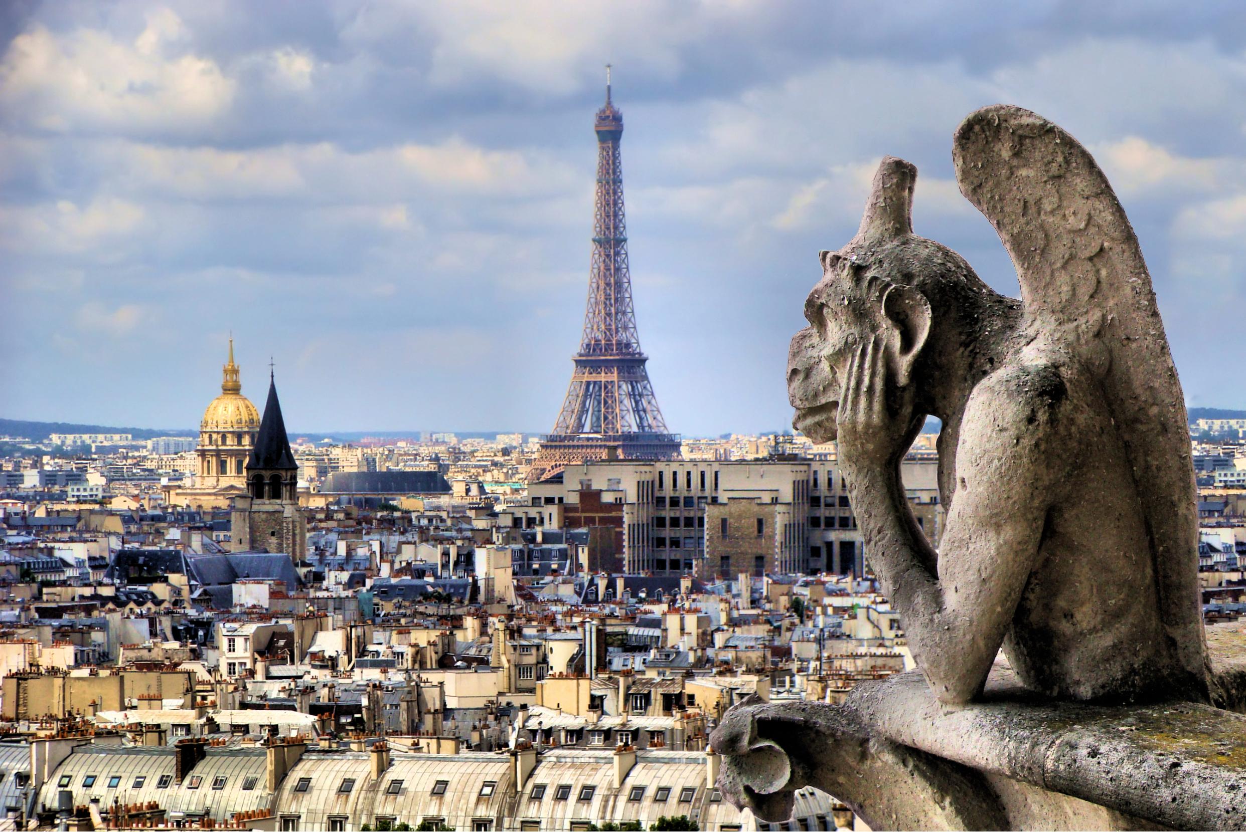 神祕又奇異 巴黎聖母院的滴水嘴獸和石像怪