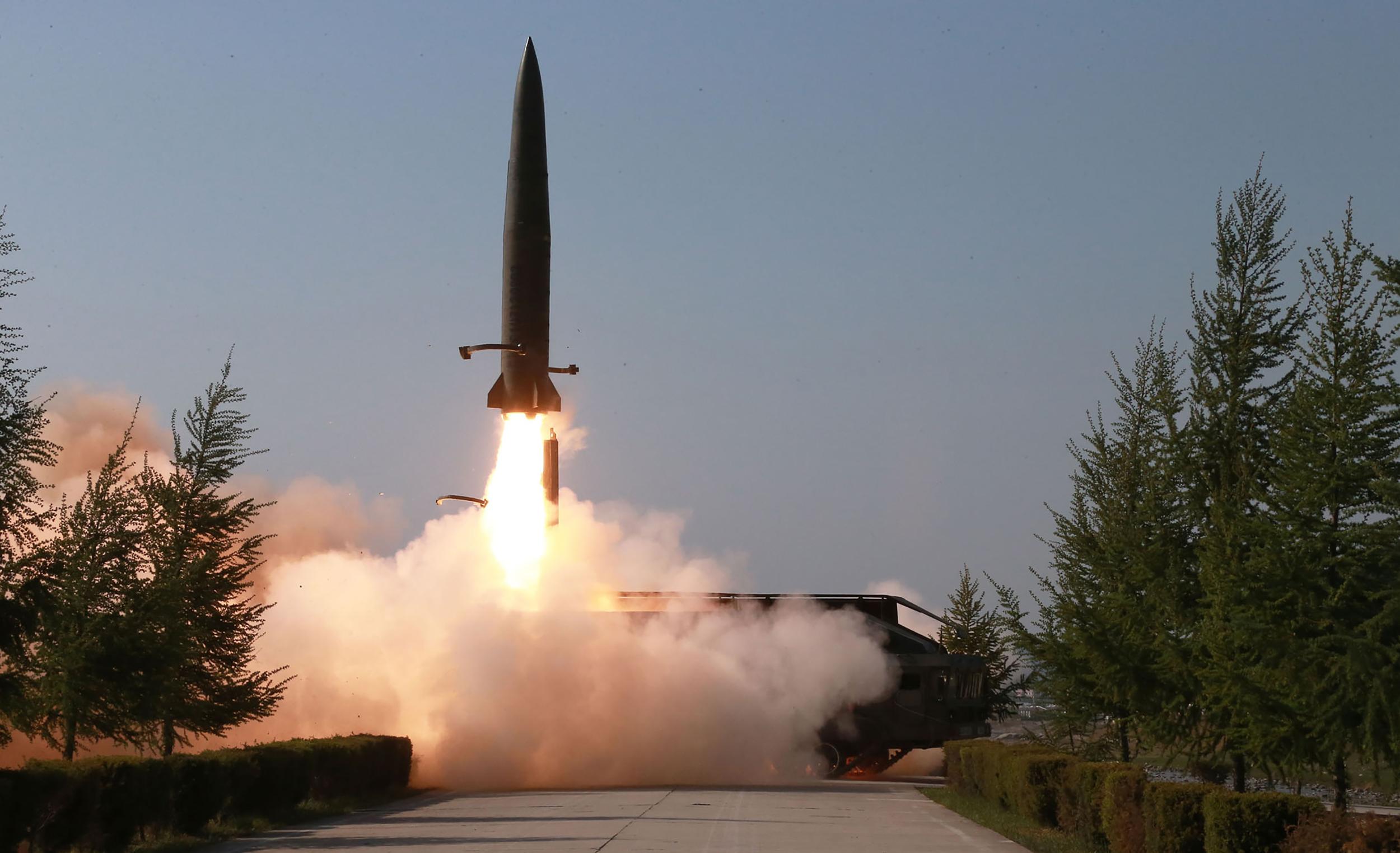 北韓於5月9日發射短程導彈。對此,美國總統特朗普表示,美方「非常嚴肅」對待這件事。(KCNA VIA KNS / AFP)