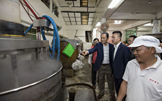 超过70年的新竹在地醍醐味 市长探酱油制作秘辛