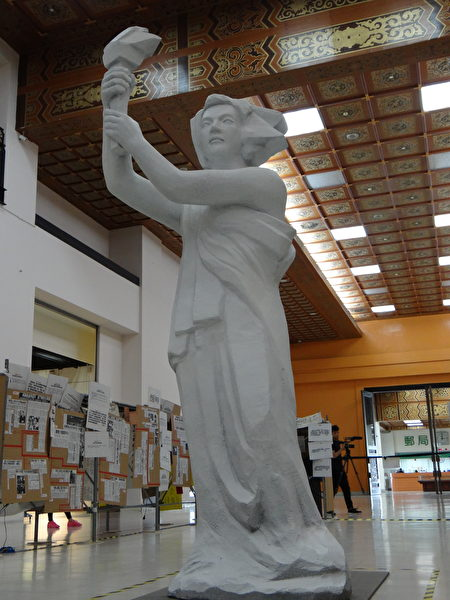 六四倖存者方政:「30年前想把自由女神像設立在天安門廣場,但短短幾天就被坦克推倒」。(袁世鋼/大紀元)