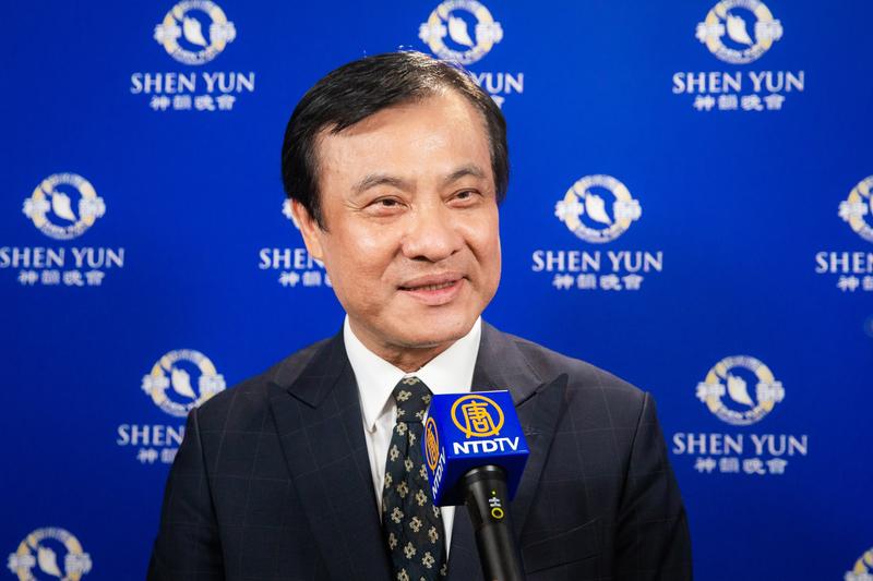 2019年4月10日下午,立法院長蘇嘉全觀賞神韻世界藝術團在台北國父紀念館的演出。(陳柏州/大紀元)