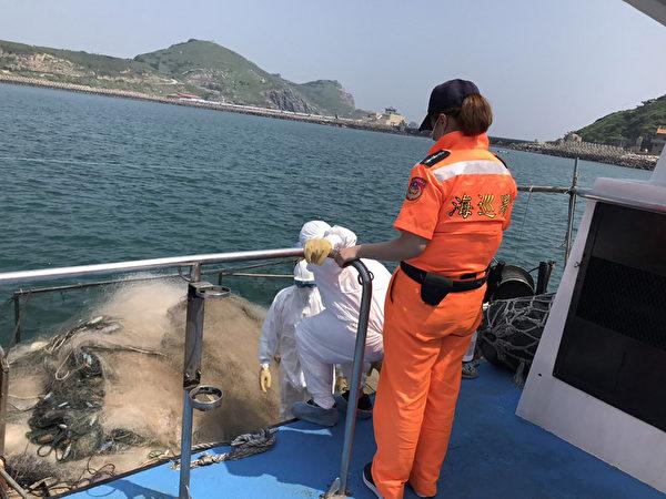 陆渔船东引海域违法作业 海巡查获