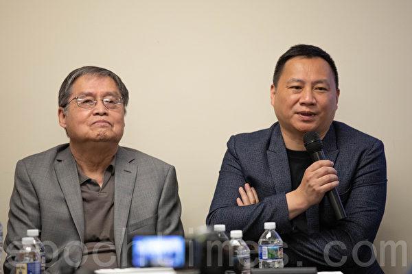 王丹(右)表示,「讓國家更好一點」的願望與三十年前無異。(林樂予/大紀元)
