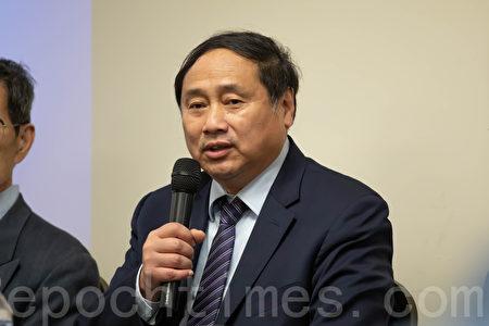 王軍濤說,共產黨內部還有「黨中之黨」。(林樂予/大紀元)