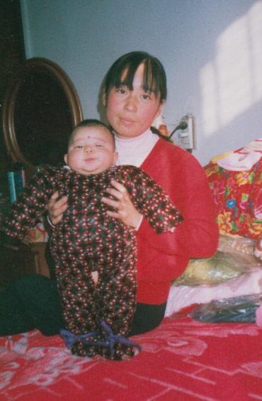 吳敬霞在孩子15個月時被迫害致死。(明慧網)