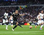 欧冠半决赛:阿贾克斯客胜热刺