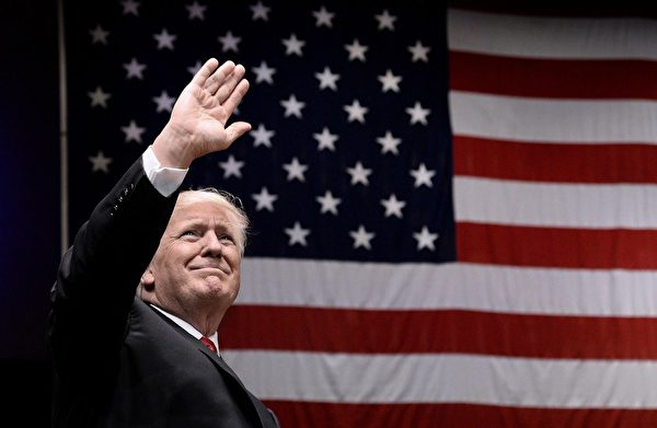 特朗普總統是第一位敢於槓上中國(中共)幾十年來貿易不良行為的美國總統。(Olivier Douliery-Pool via Getty Images)