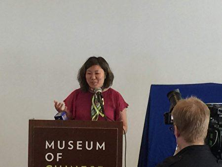 孟昭文在美国铁路竣工150周年纪念邮票揭幕仪式上发言。