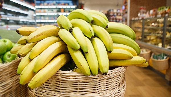 多吃香蕉可保養肺部。(shutterstock)
