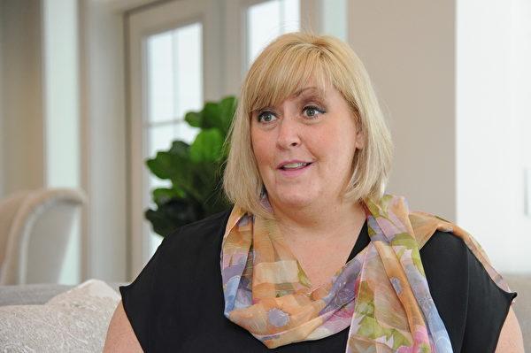 PNE總裁兼首席執行官弗羅斯特(Shelley Frost)女士說:「我們是卑詩省最早開始舉辦房屋彩票(home lottery)的組織,今年已經是第85個年頭了。同時我們也是卑詩省最受歡迎和備受期待的彩票之一。」(童宇/大紀元)