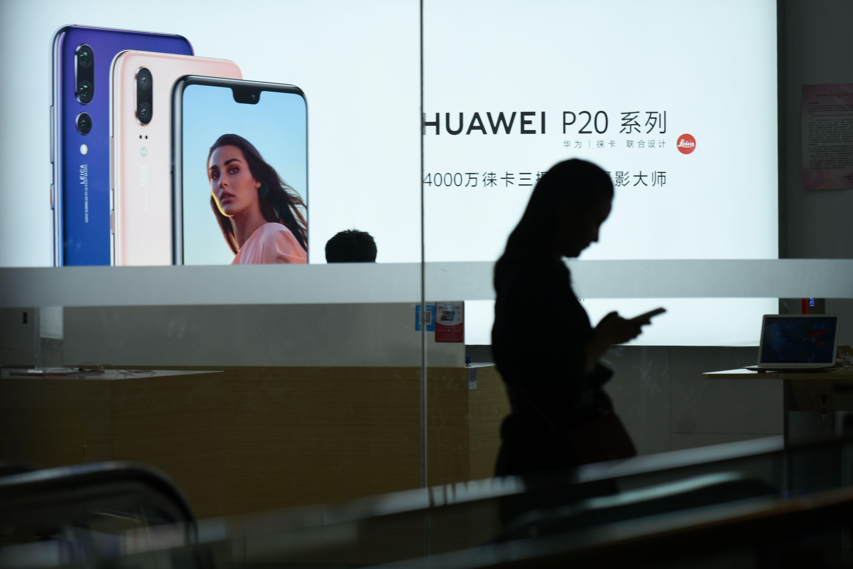 知情人士透露,谷歌禁止華為使用安卓操作系統接口。(WANG ZHAO/AFP/Getty Images)