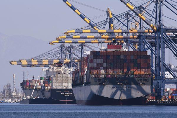 由於中共出爾反爾,撤回先前在談判中對美方做出的多個承諾,導致中美貿易戰升級。(MARK RALSTON/AFP/Getty Images)