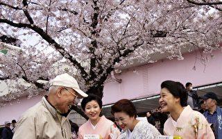 日本人長壽快樂有祕訣 吸引全球數百萬人