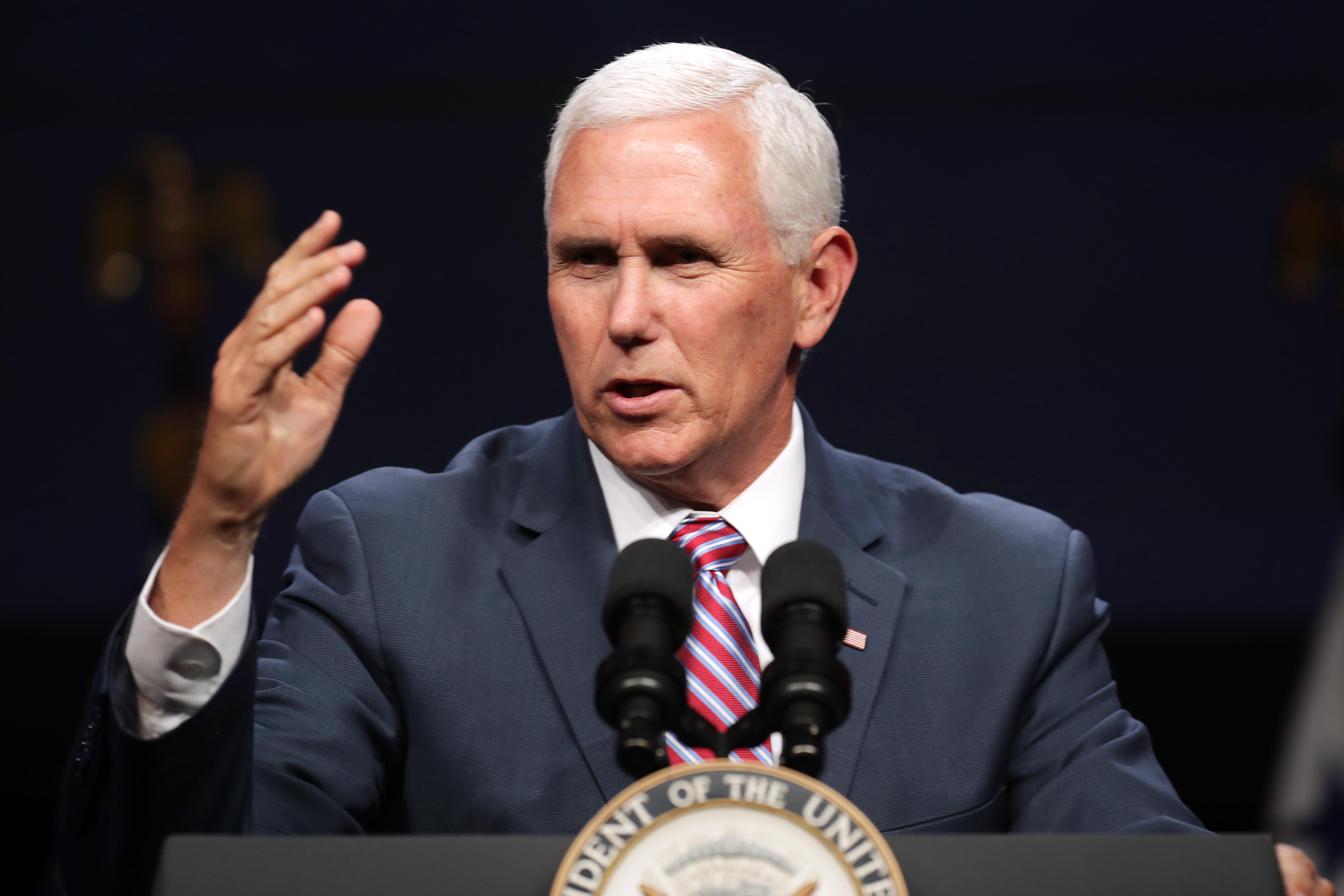美國副總統邁克·彭斯(Mike Pence)將於周二(5月7日)針對鼓勵委內瑞拉軍人投正問題發表講話。(Chip Somodevilla/Getty Images)