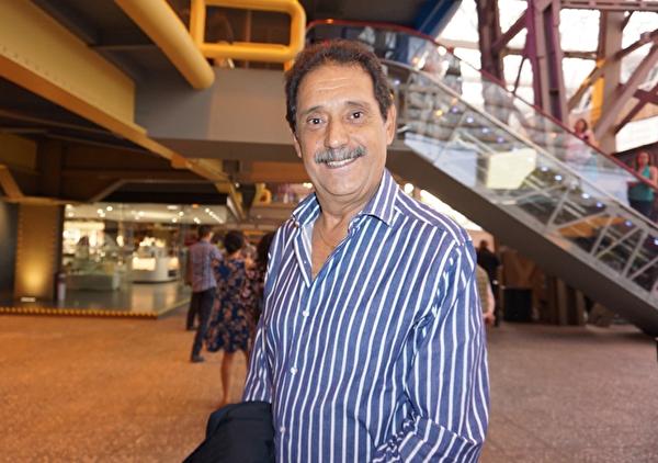 4月7日晚,在墨西哥的墨西哥城国家礼堂(Mexico City Auditorio Nacional),知名基金会顾问Jose Lopez Rodriguez观看了神韵巡回艺术团的精彩演出。 (林南宇/大纪元)