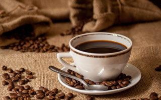 咖啡確實可以減少心血管疾病發生的風險,但不能因此大量攝取。(Shutterstock)