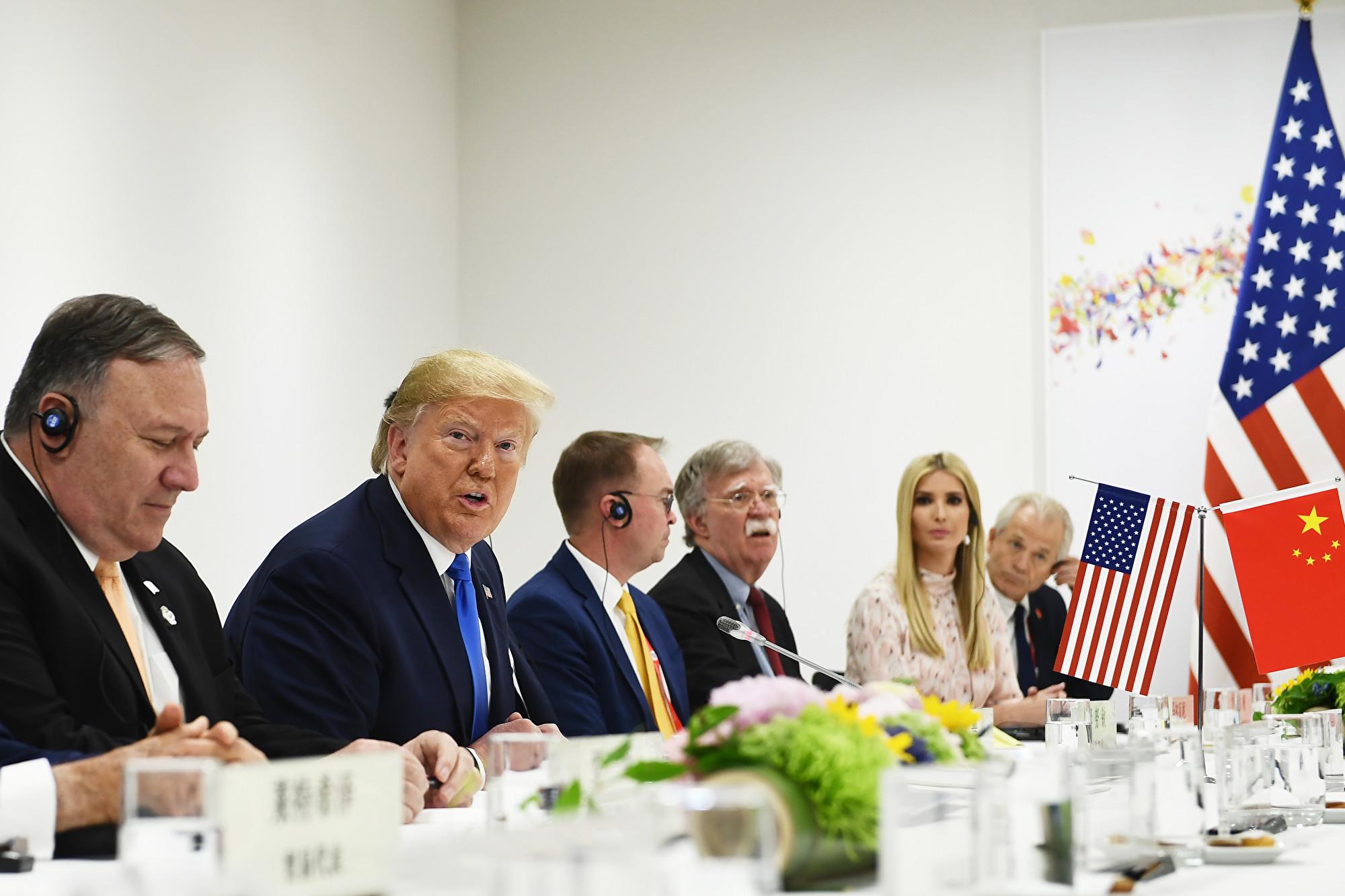 日本大阪時間6月29日上午11點47分,美國總統特朗普與中國國家主席習近平舉行午餐會晤。(Brendan Smialowski/AFP)