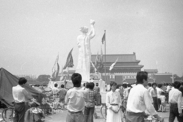 1989年六四前夕北京天安門廣場的「民主之神」像。(蔣一平提供)