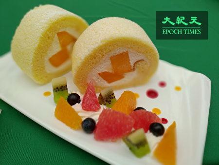 芒果香草蛋糕卷绵密中带酸甜口感。