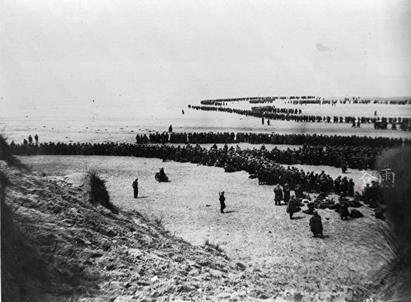 1940年6月4日代號為「發電機計劃」的敦刻爾克大撤退。(公有領域)