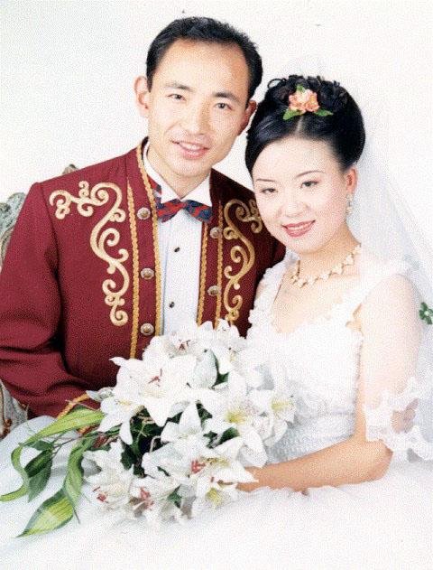 被山東王村勞教所酷刑迫害的青島海洋大學研究生鄒松濤(左)。(明慧網)