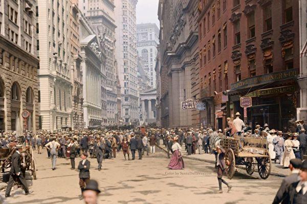 1900年的纽约街头(上色照片)。(Twitter: historyinmoment/公有领域)1900年的纽约街头(上色照片)。(Twitter: historyinmoment/公有领域)