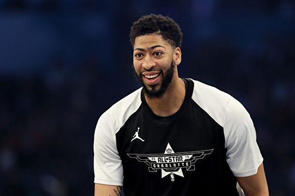 NBA湖人交易换来戴维斯